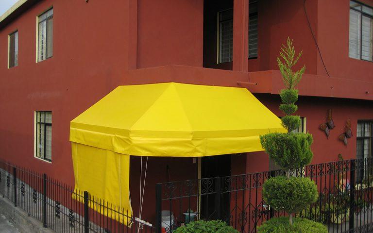 toldo amarillo